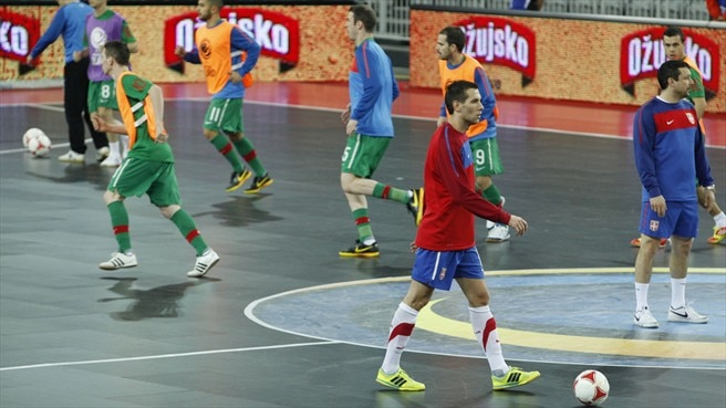Serbia and Portugal players warm up