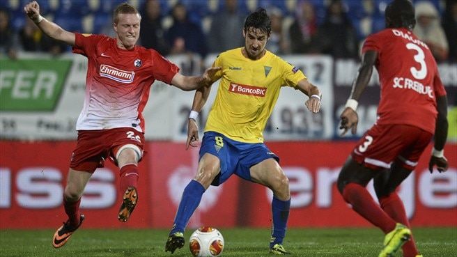 Baumann frustre Estoril